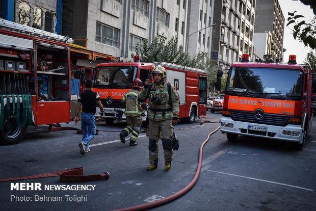 آتش سوزی برج در حال ساخت مشهد 3 مصدوم داشت