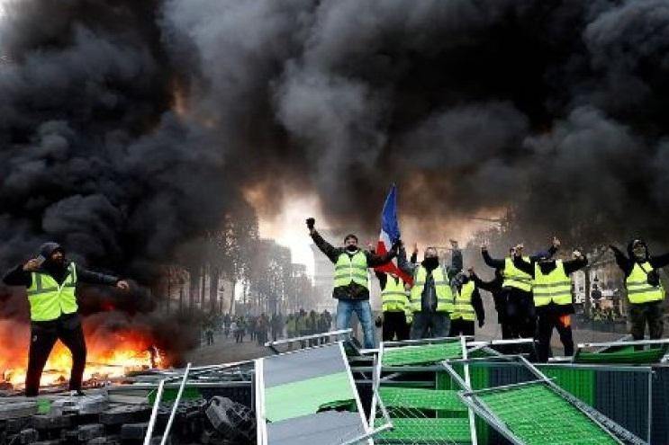 کارشناس مسائل امنیتی: احتمال گسترش اعتراضات فرانسه به سراسر روز های هفته است