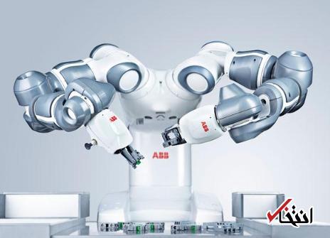 تقابل اقتصاد و روباتیک در داووس ، پذیرایی از مهمانان مجمع جهانی اقتصاد با روبات کافه چی