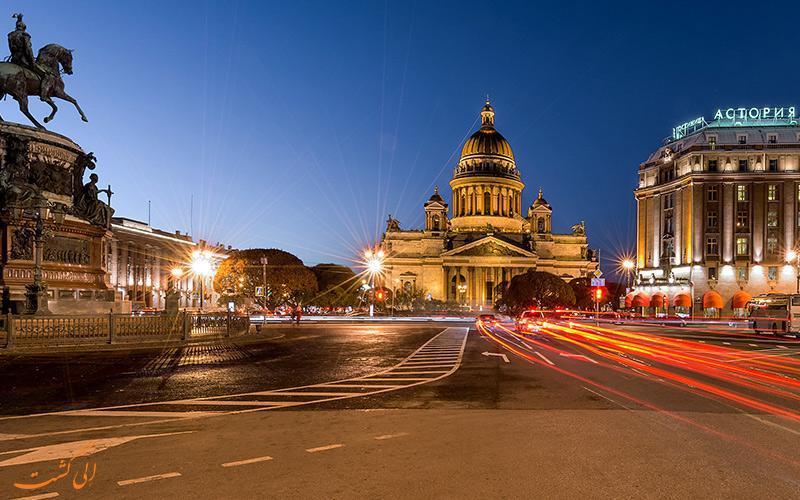 در میدان اسحاق مقدس سنت پترزبورگ چه جاذبه هایی انتظارتان را می کشند؟