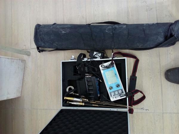 کشف یک دستگاه فلزیاب پیشرفته و دستگیری 4 متهم در نیشابور
