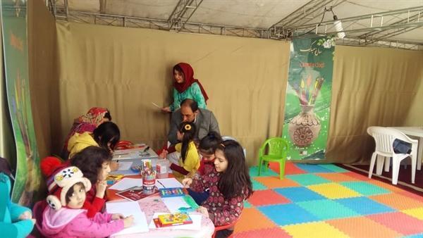 برپایی غرفه کودک و نوجوان در محوطه موزه ملی ایران