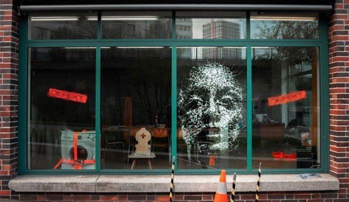 پرتره های شیشه ای حاصل با چکش به جان شیشه ها افتادن! ، تصاویر