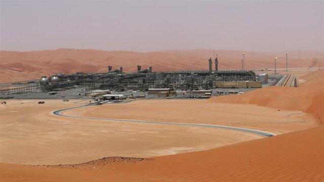 آتش سوزی یک میدان نفتی عربستان در پی حمله پهپادی
