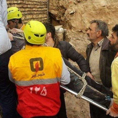 مصدوم شدن 1 کارگر در حادثه ریزش آوار ساختمان نیمه کاره در تبریز