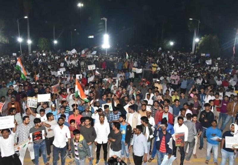 تجمع هزاران دانشجوی هندی در اعتراض به قوانین تبعیض مذهبی