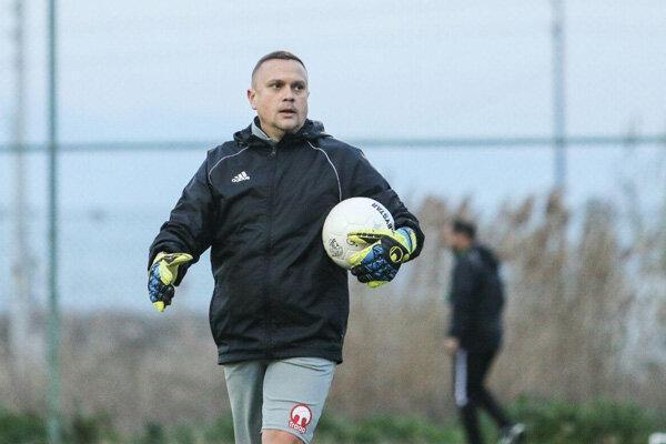 مربی دروازه بانان تیم فوتبال تراکتور از رومانی آمد