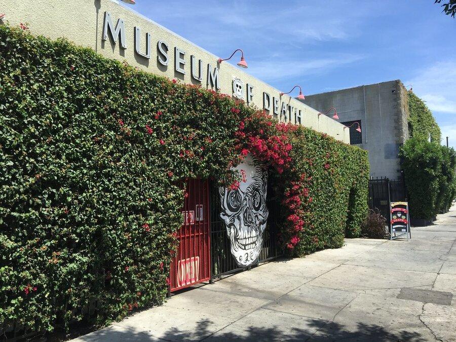 موزه مرگ در هالیوود ، یادگاری های مرگ و آثاری از قاتلان سریالی