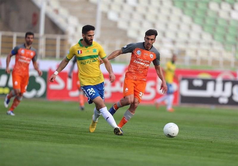 لیگ برتر فوتبال، فزونی یک نیمه ای صنعت نفت آبادان مقابل سایپا