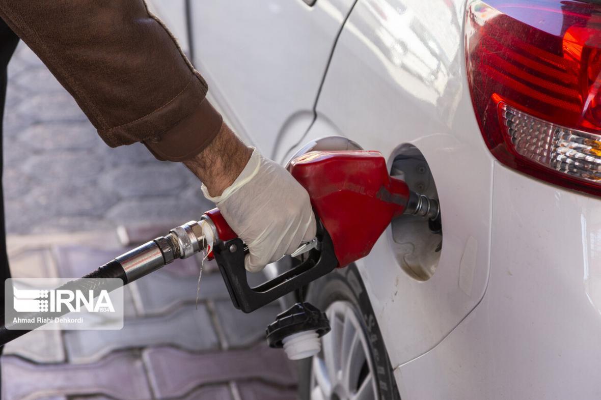 خبرنگاران الزام عملیات سوخت گیری توسط پمپ های بنزین در استان مرکزی