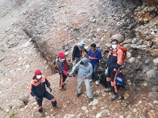 نجات سه شهروند از ارتفاعات کوه سرخ