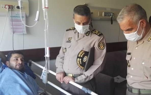 عیادت فرمانده کل ارتش از جانبازان حادثه شناور کنارک