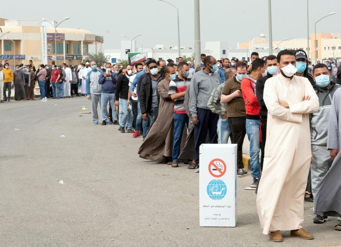 خبرنگاران کویت 40 درصد کارگران خارجی را کاهش می دهد