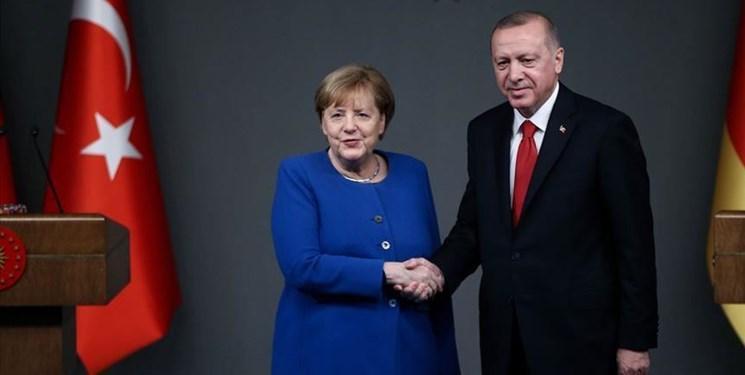 گفت وگوی تلفنی مرکل و اردوغان درباره لیبی و سوریه