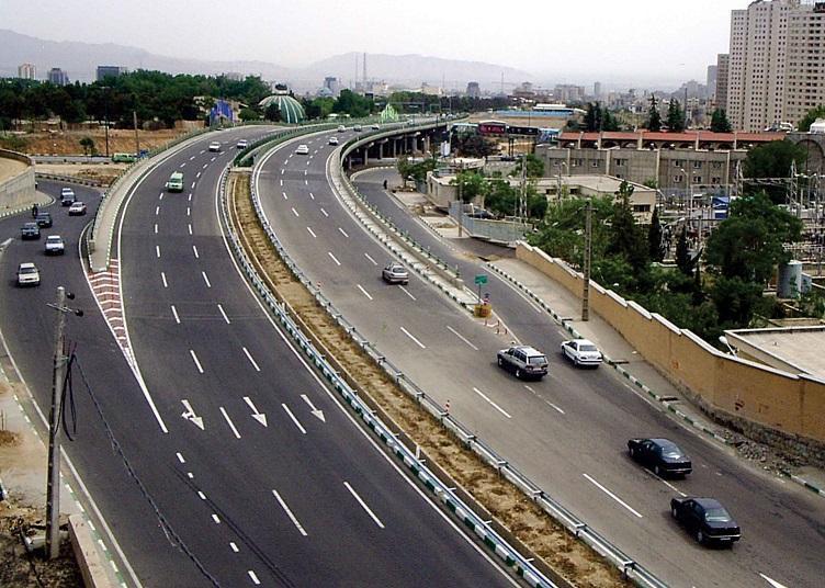 بزرگراه یادگار از زیر بوستان جی به بزرگراه سعیدی متصل می شود
