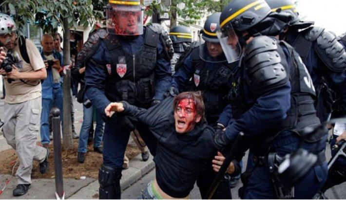 مجازات برای عکسبردای از سرکوب و بازداشت معترضین