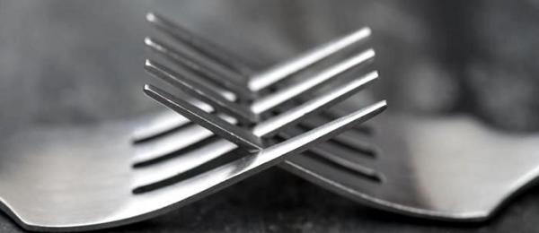 آهن زنگ نزن چیست و چه کاربرد هایی دارد؟