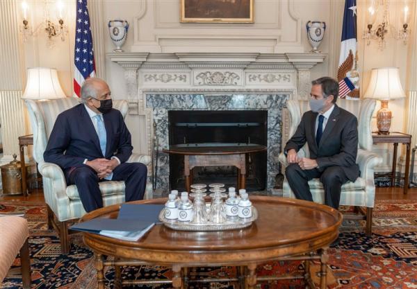 نخستین ملاقات وزیر خارجه آمریکا و خلیلزاد پس از تاکید بر آنالیز توافق با طالبان