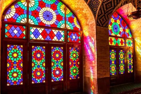 درباره تاریخ کهن ایران منبع مستندی در تایلند نیست، هنر قواره بری در بناهای دوره قاجار شناسانده نشده است