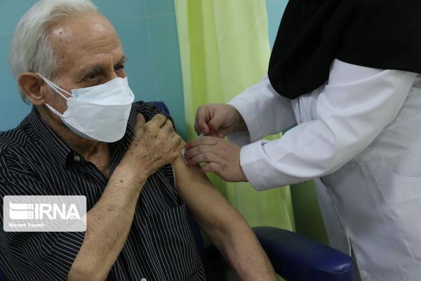 خبرنگاران سالمندان گرفتار در پیچ وخم تزریق واکسن