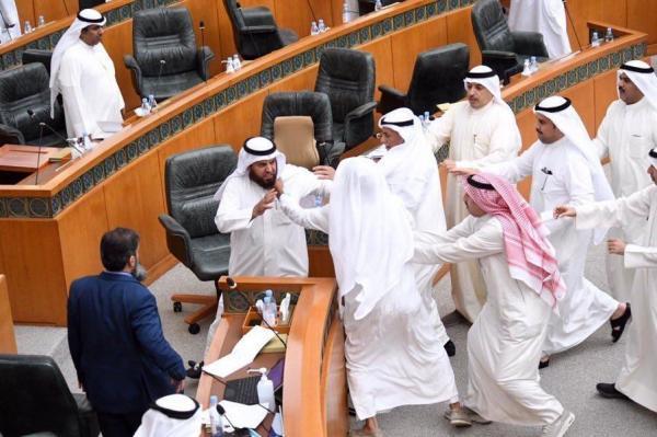 درگیری در مجلس بر سر تصویب لایحه بودجه