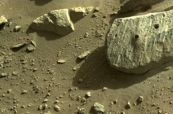ناسا 2 نمونه از مریخ جمع آوری کرد